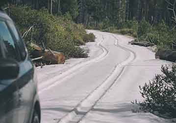 Karlı ve Buzlu Yolda Otomatik Vites Araba Kullanımı