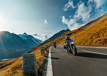 Motosiklet Kullanırken Kaskınız ve Kaskonuz Eksik Olmasın